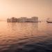 烏代浦 Udaipur 湖光山色裡的優美白城